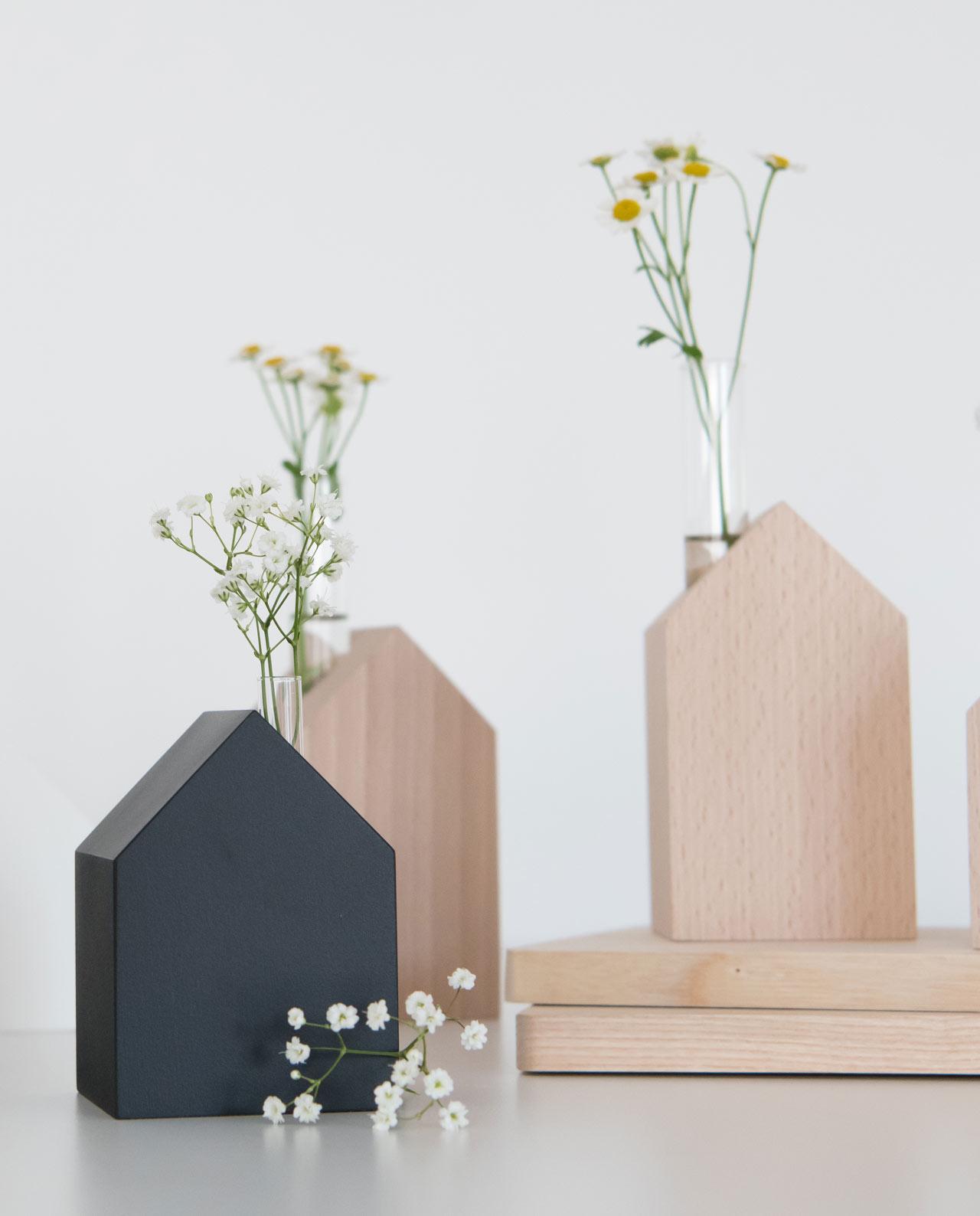 dekohaus aus holz tafellack schwarz daheim deko. Black Bedroom Furniture Sets. Home Design Ideas