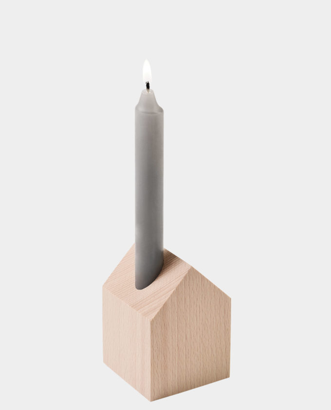 Dekohaus mit Kerze und Vase aus Holz