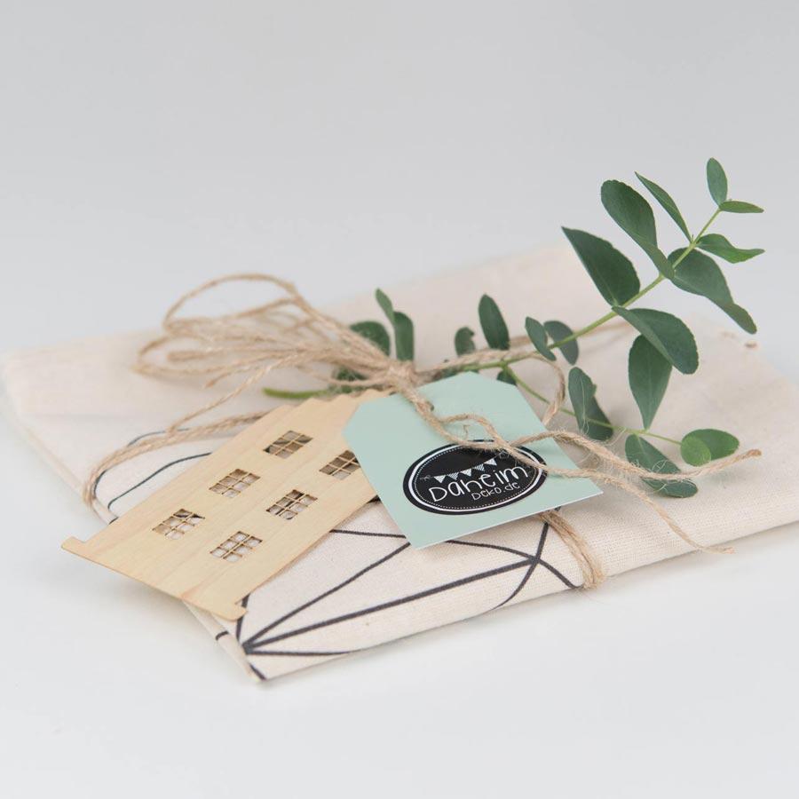 Jutebeutel als Geschenk verpacken