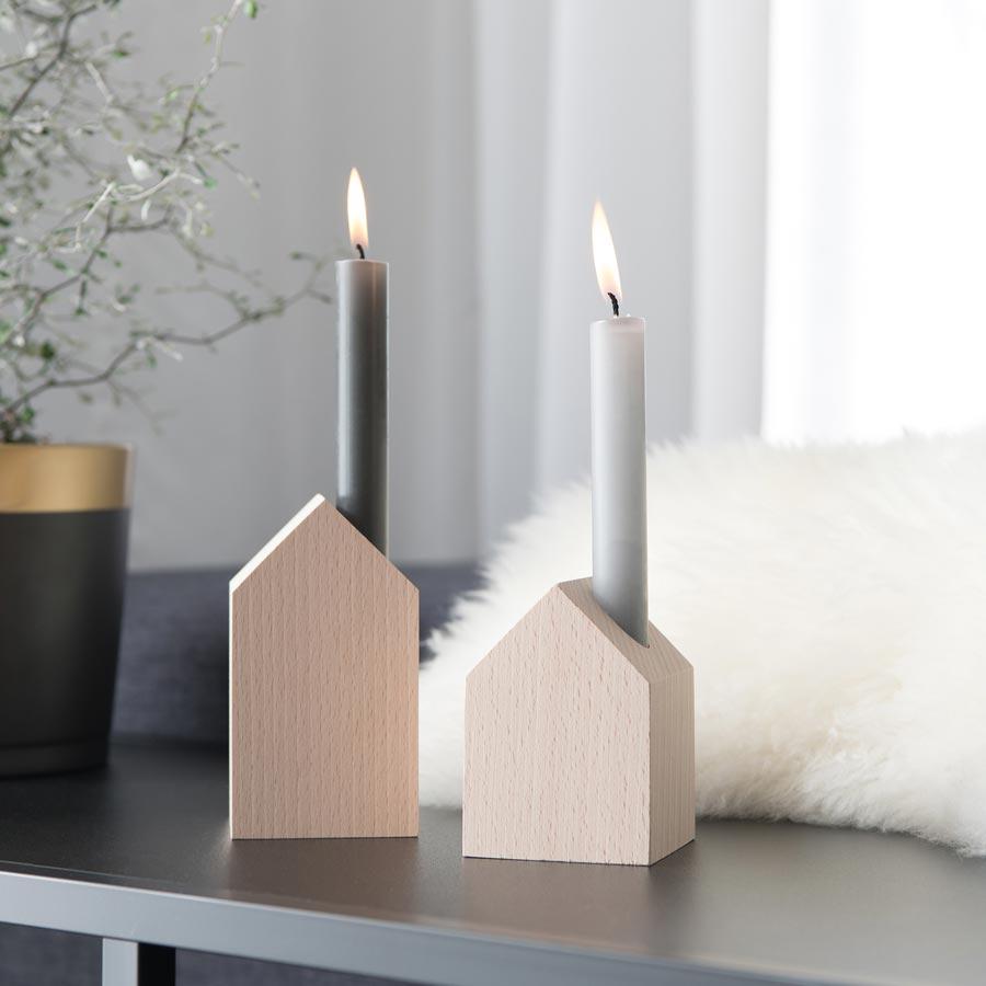 Deko Holzhaus mit Kerze