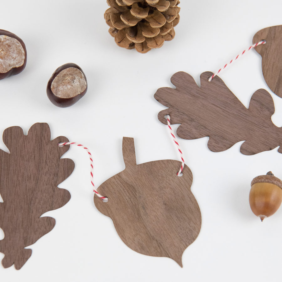Holz Girlande mit Eichenblättern und Eicheln