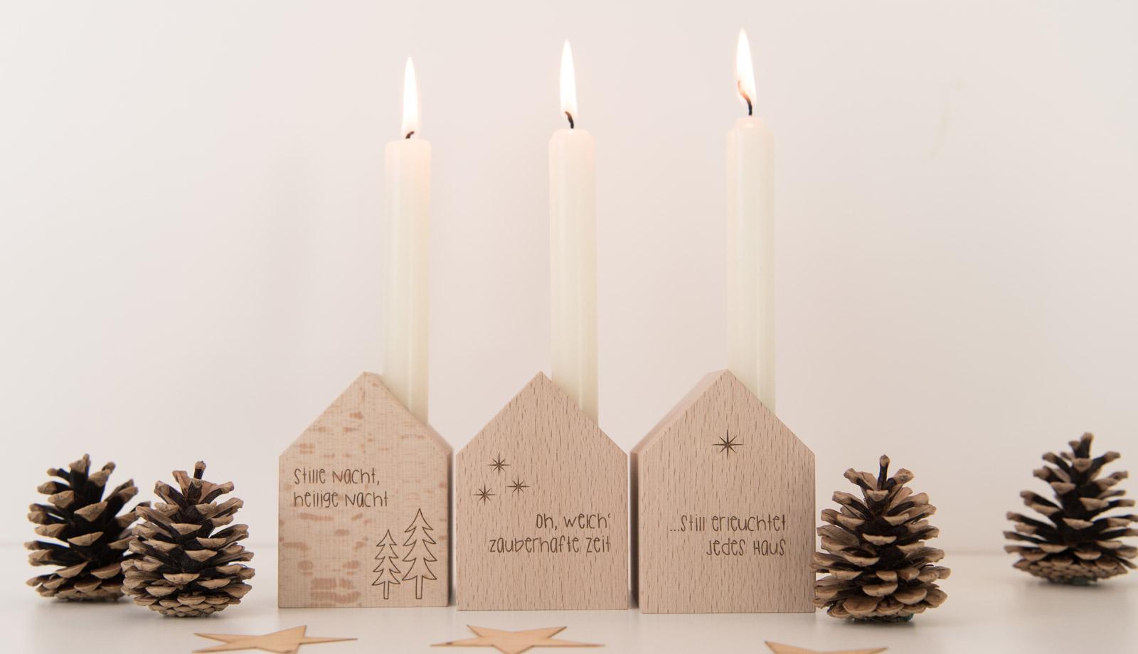 Deko-Häuschen mit Kerze als Weihnachtsdekoration
